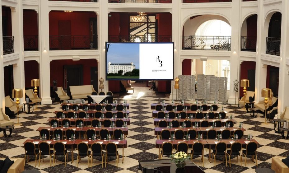 Hôtel Regina Biarritz ***** - Patio Central