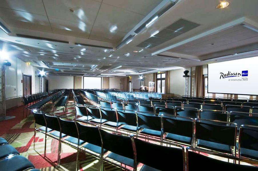 Radisson Blu Hôtel Disneyland - Salle Paris 1-2-3