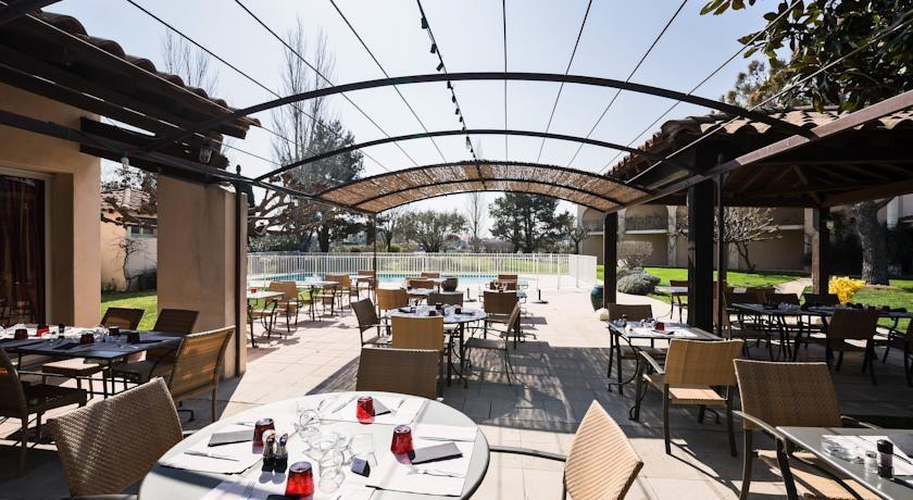 Best Western Hôtel Le Paradou Avignon Sud *** 10