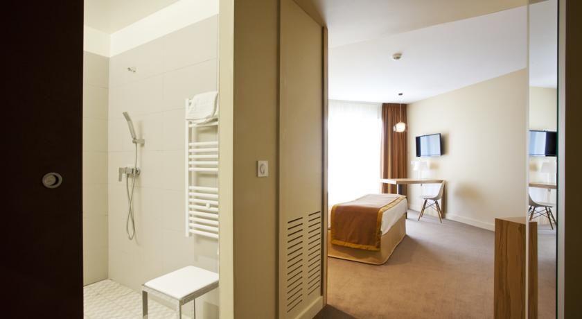 Best Western Hôtel Le Paradou Avignon Sud *** 36