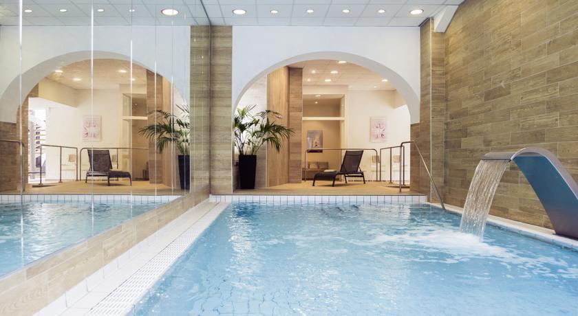 Mercure Brides-les-Bains Grand Hôtel des Thermes **** 6