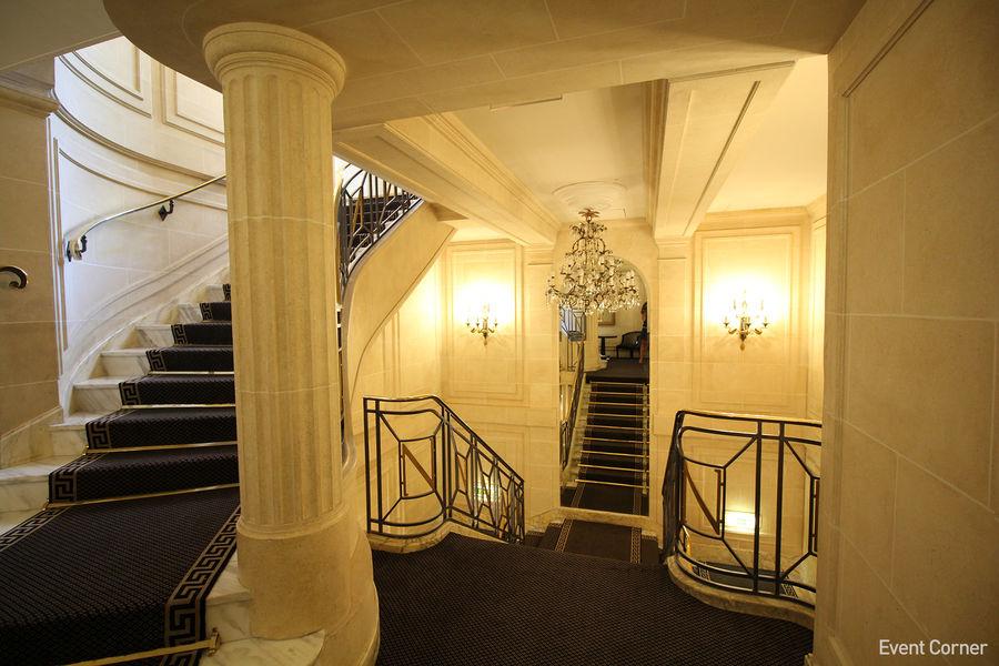Hôtel Napoléon ***** Esaclier