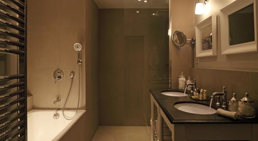 Newhotel Roblin **** 28