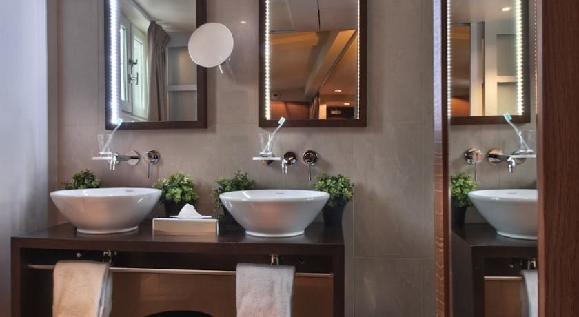 Holiday Inn Paris Elysées 18