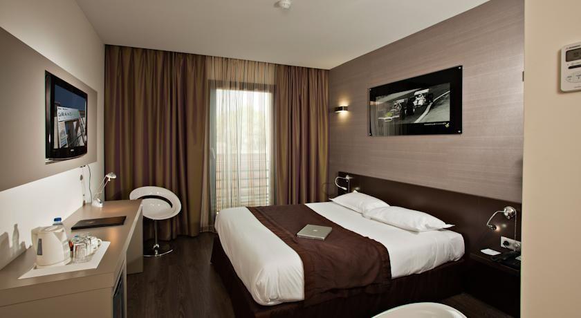 Grand Prix Hotel 4