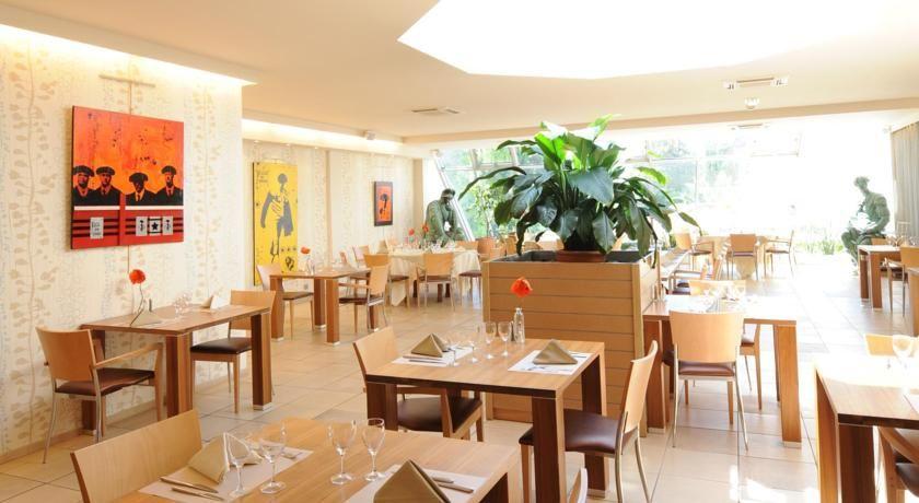 BEST WESTERN Hotel Atrium 38