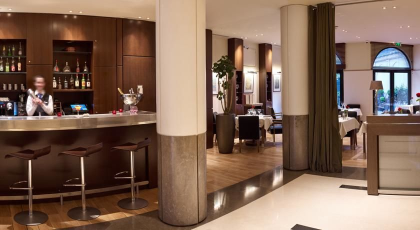 Radisson Blu Hotel Champs Elysees **** 9