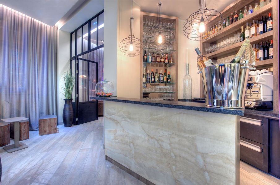 Best Western Hôtel De Madrid **** 28