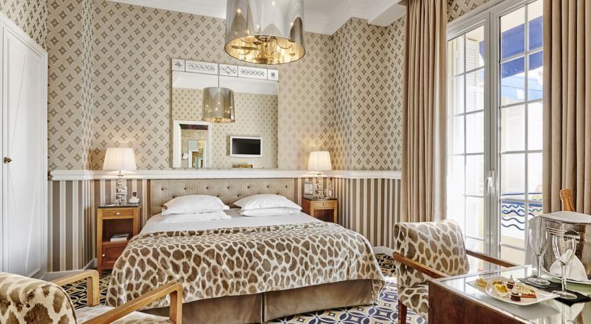 Hôtel Belles Rives ***** 37
