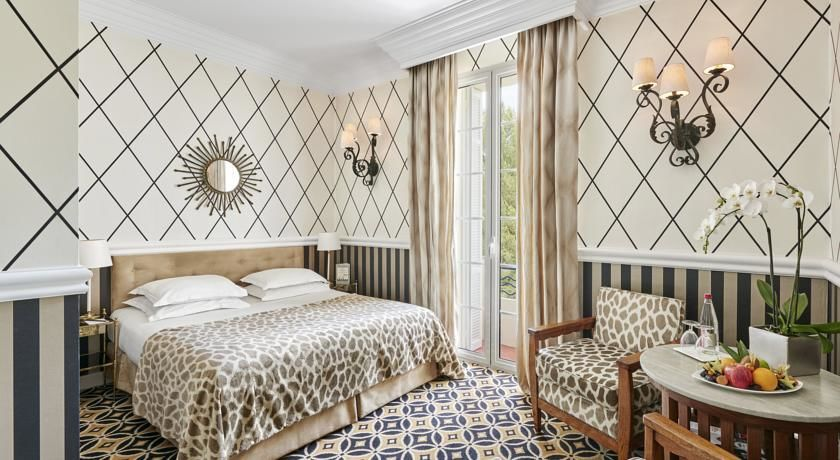 Hôtel Belles Rives ***** 39