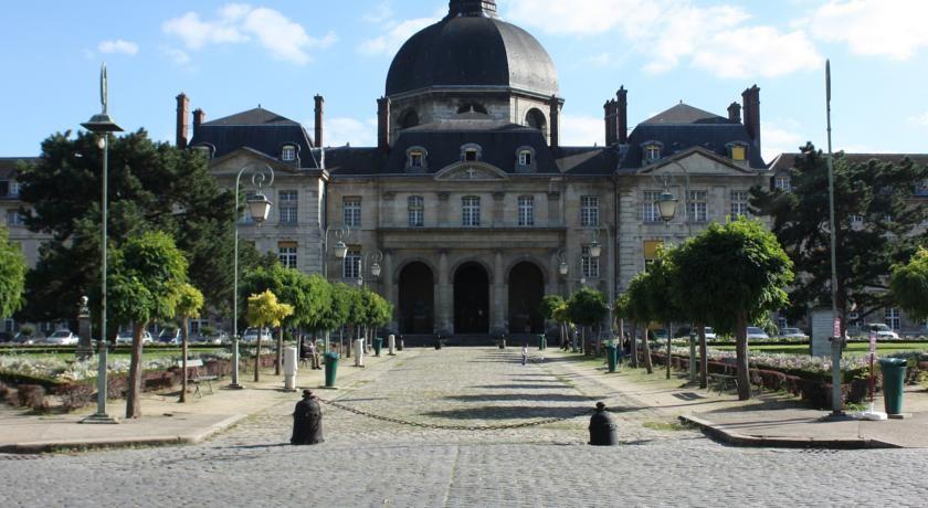 Hôtel Saint Marcel *** 43