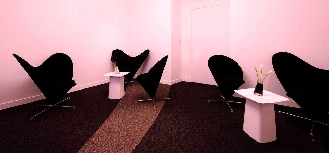 54 Laffitte Club Confair Designer Lounge