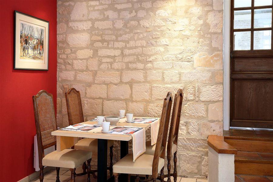 Best Western Hôtel Le Dauphin Le Spa Du Prieure **** 30