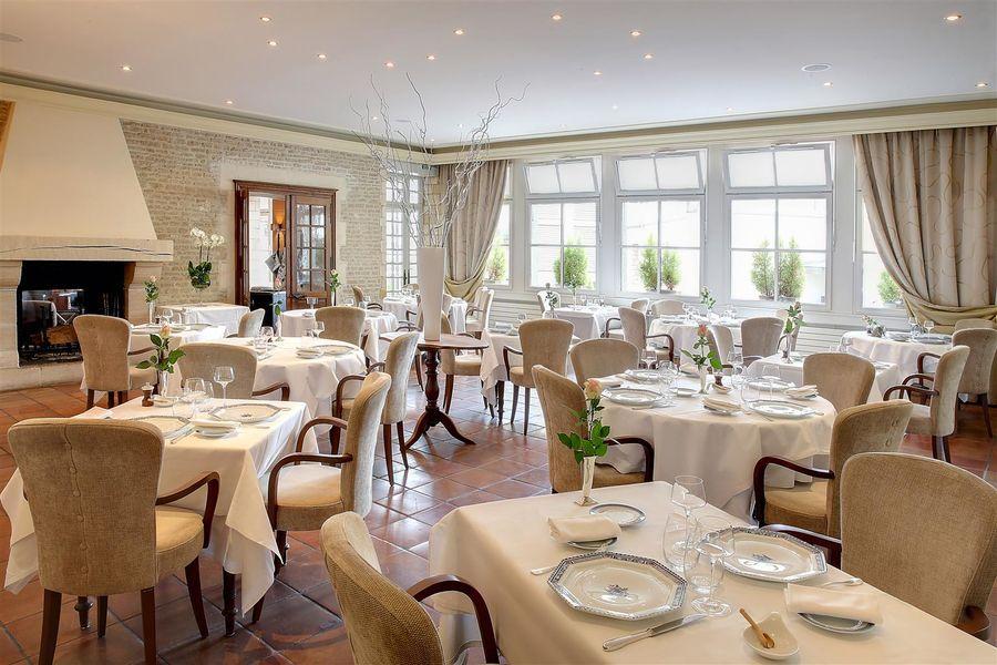 Best Western Hôtel Le Dauphin Le Spa Du Prieure **** 32