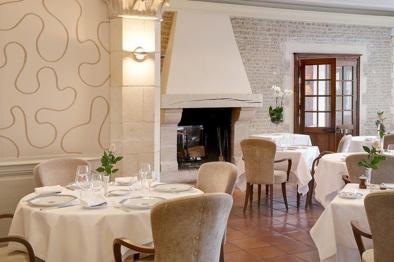 Best Western Hôtel Le Dauphin Le Spa Du Prieure **** 36