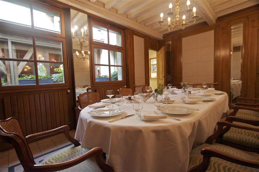 Best Western Hôtel Le Dauphin Le Spa Du Prieure **** Salle de réception