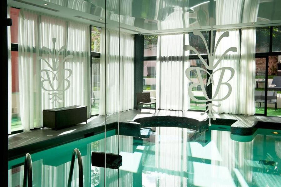 Best Western Hôtel Le Grand Monarque **** 6