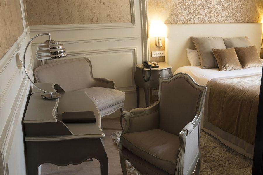 Best Western Hôtel Le Grand Monarque **** 23