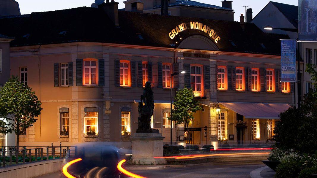 Best Western Hôtel Le Grand Monarque **** Façade