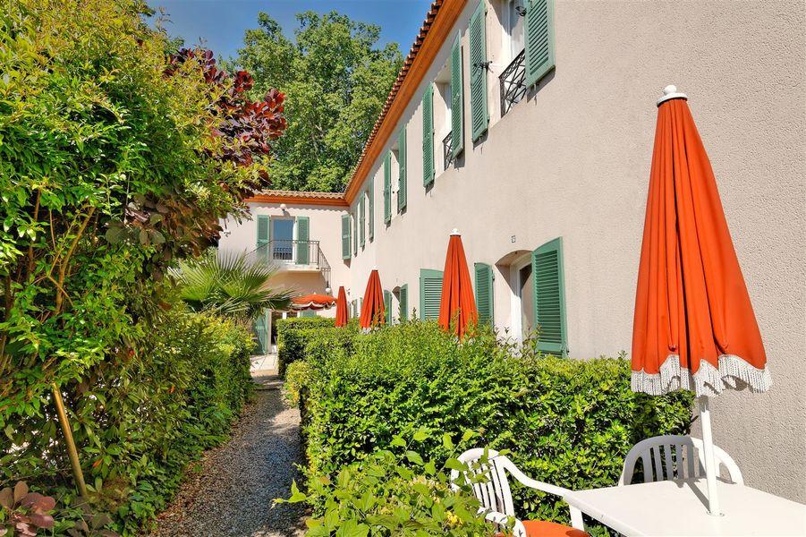 Best Western L'Orangerie *** 22