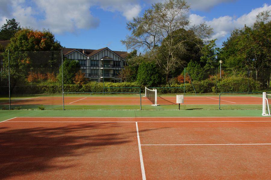 Najeti Hôtel du parc *** Terrain de tennis