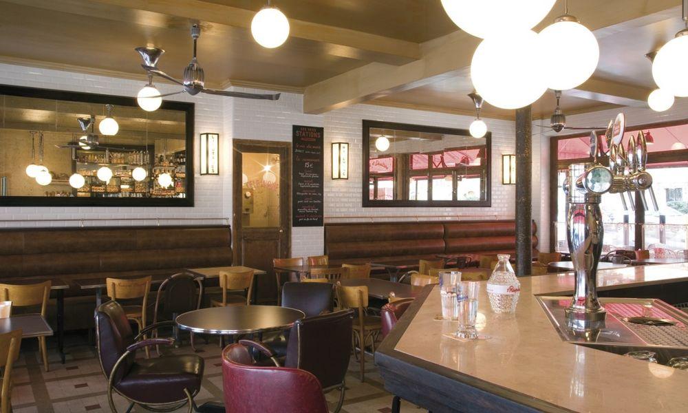 Les Deux Stations Restaurant