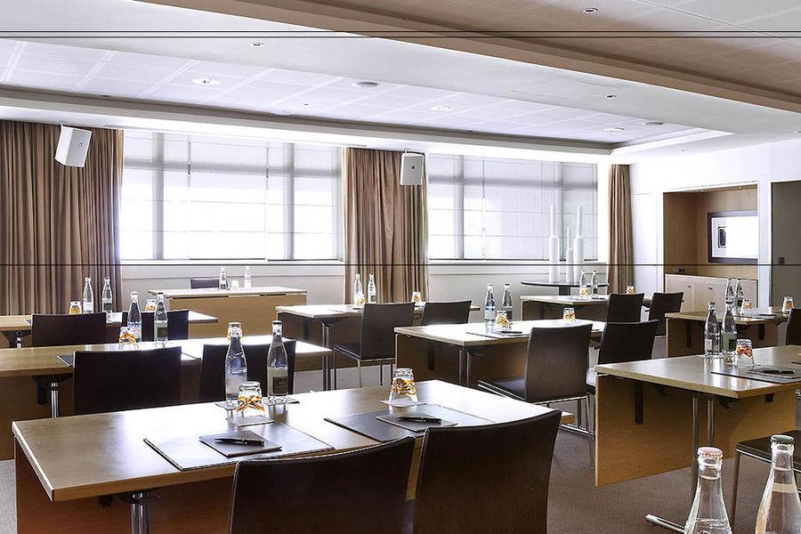 Sofitel Paris la Défense ***** Salle de séminaire