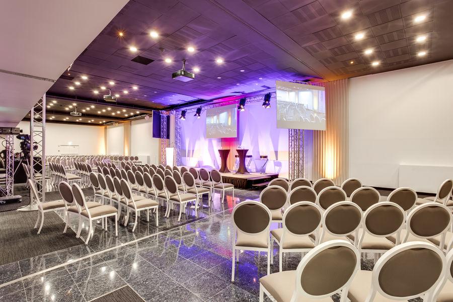 New Cap Event Center 8