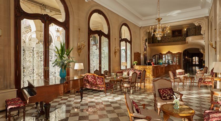 Hôtel Regina ***** 1
