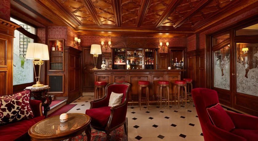 Hôtel Regina ***** 9