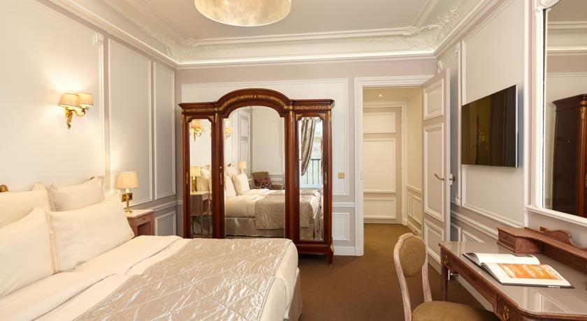 Hôtel Regina ***** 42