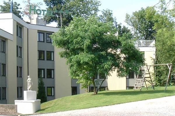 Hôtel Des Acacias *** 5