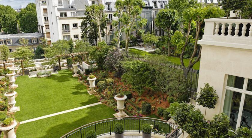 Shangri-La Hôtel Paris ***** 12