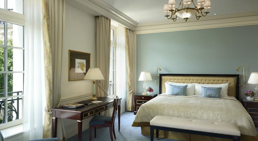 Shangri-La Hôtel Paris ***** 28