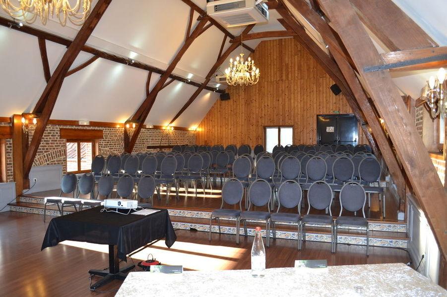 Domaine Des Cigognes *** Salle de séminaire