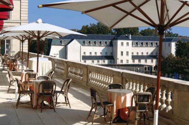 Les Salons du Relais Hôtel Paris Est 9