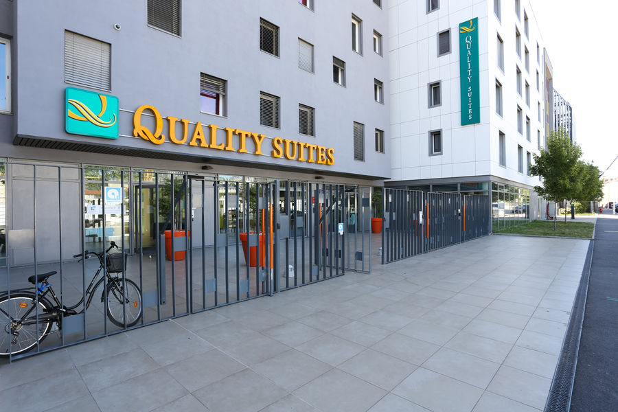 Quality Suites Lyon 7 Lodge **** 4