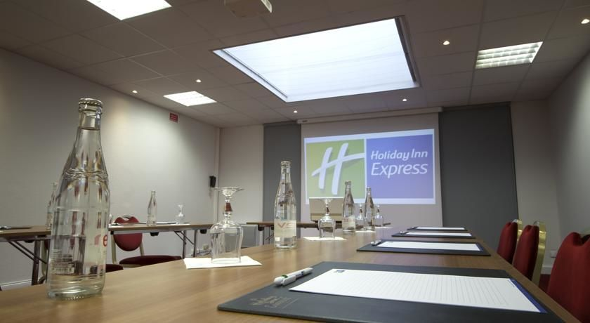 Holiday Inn Express Lille Centre *** 25