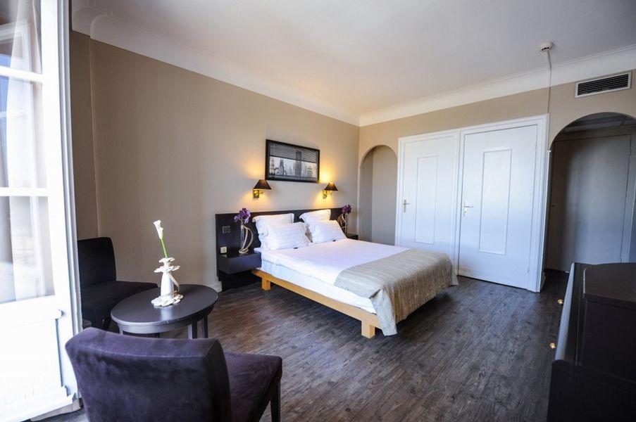 Le Grand Hotel *** 4