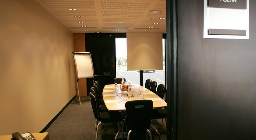Holiday Inn Bordeaux Sud Pessac **** Salle de séminaire