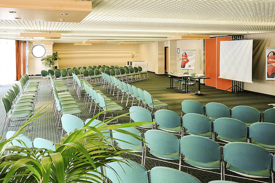 Ibis Bordeaux Centre Meriadeck *** Salle de séminaire