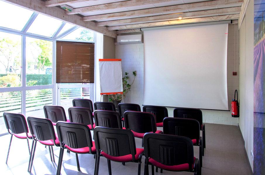 Le Provençal Bordeaux Lac *** Salle de séminaire