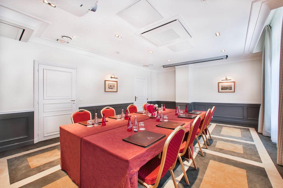 Fraser Suites Le Claridge Champs-Elysées ***** Salle de séminaire