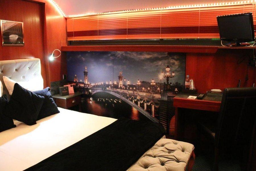 VIP Paris Yacht Hôtel Chambre