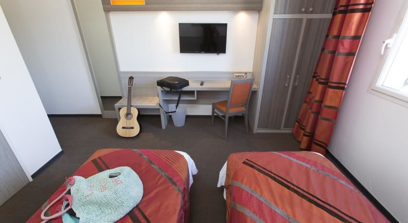 Comfort Hôtel Aix-en-Provence *** 26