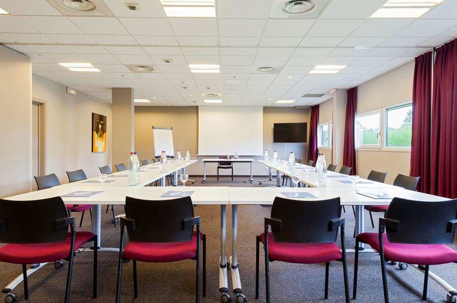 Kyriad Prestige Strasbourg Nord ****  Salle de séminaire