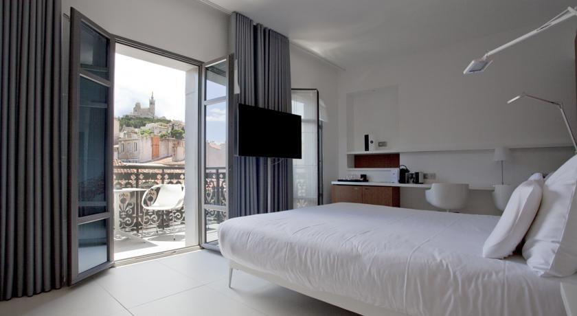 C2 Hôtel 14