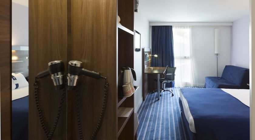Holiday Inn Express Marseille St Charles *** 22