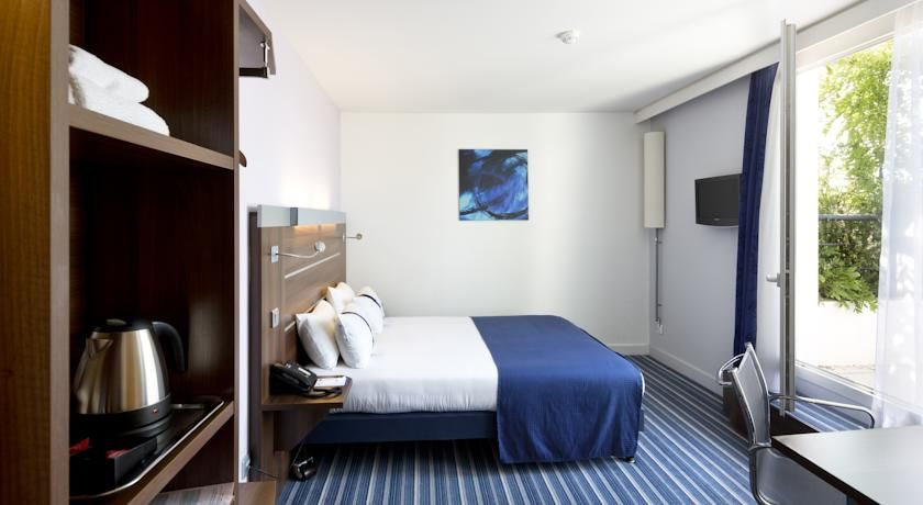 Holiday Inn Express Marseille St Charles *** 25