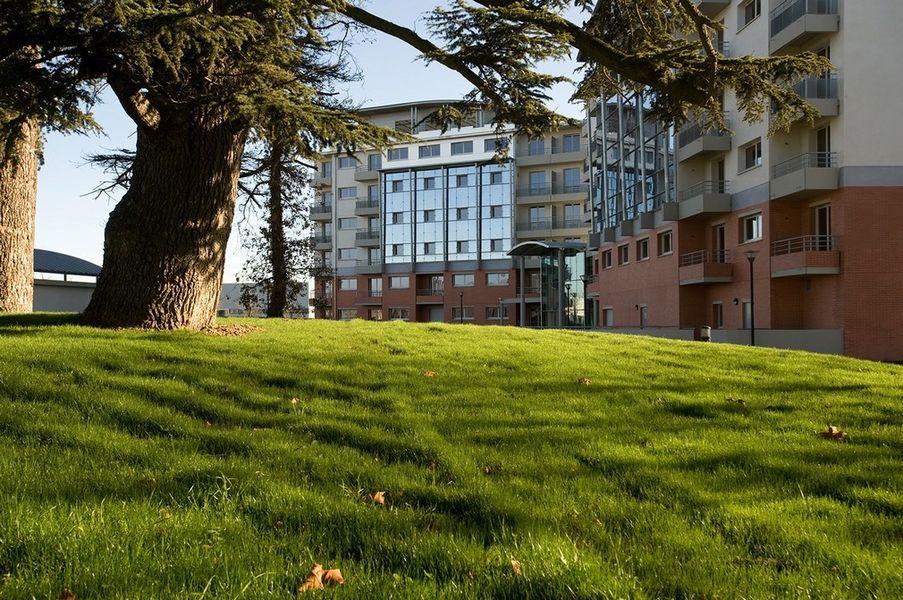 Zenitude Hôtel & Résidences Le Parc de l'escale **** 1